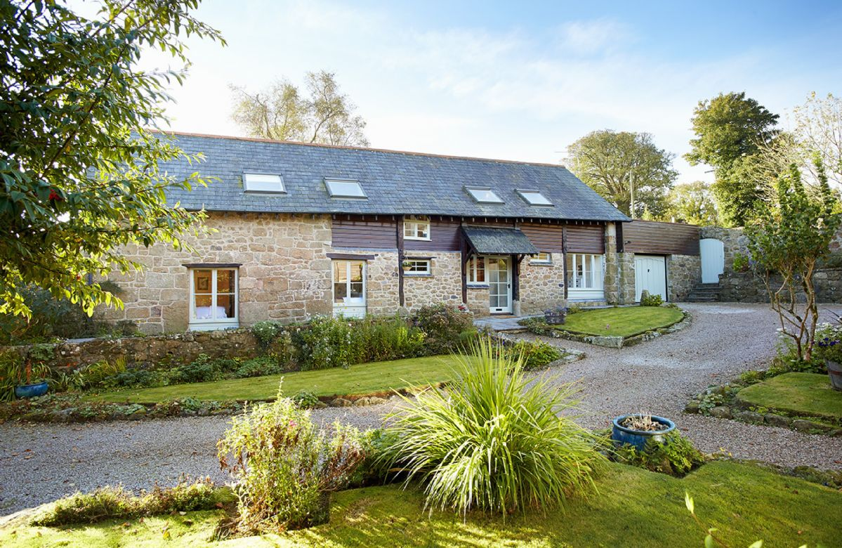 Aarons is an attractive barn conversion situated in a small hamlet in one of the finest areas of the Dartmoor National Park