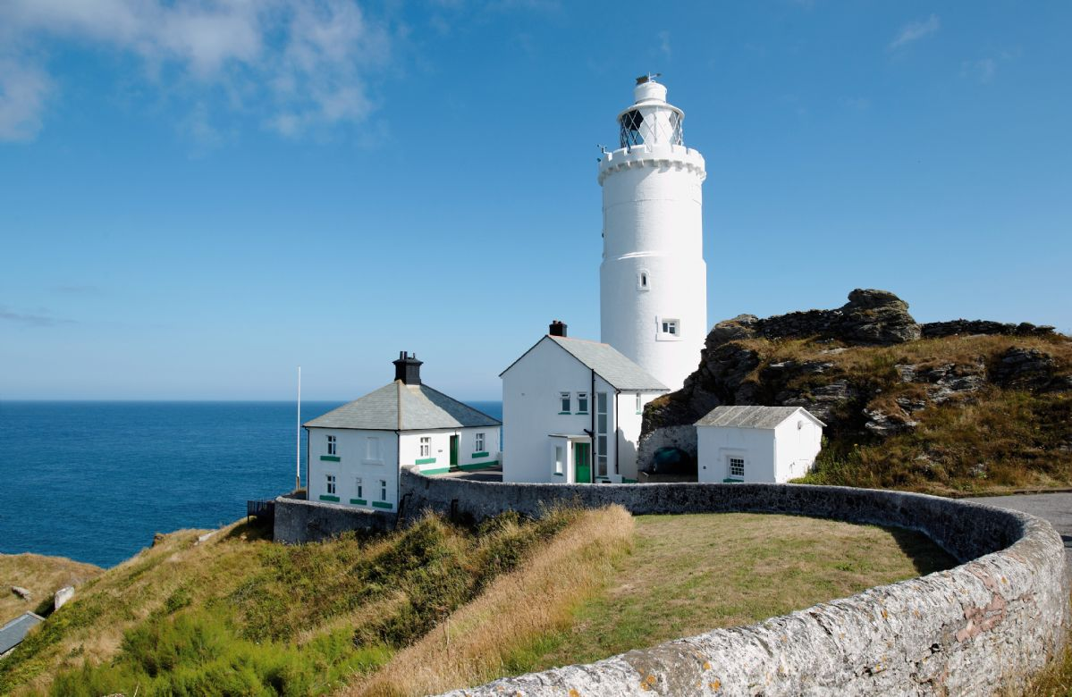 Beacon Cottage overlooks the sea and Landward Cottage adjoins the lighthouse