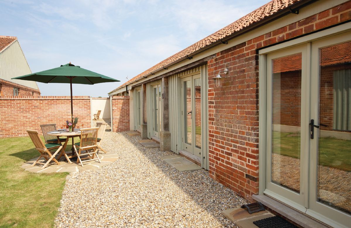 1 Mere Farm Barns a traditional detached Norfolk long house, with accommodation for 5 Guests