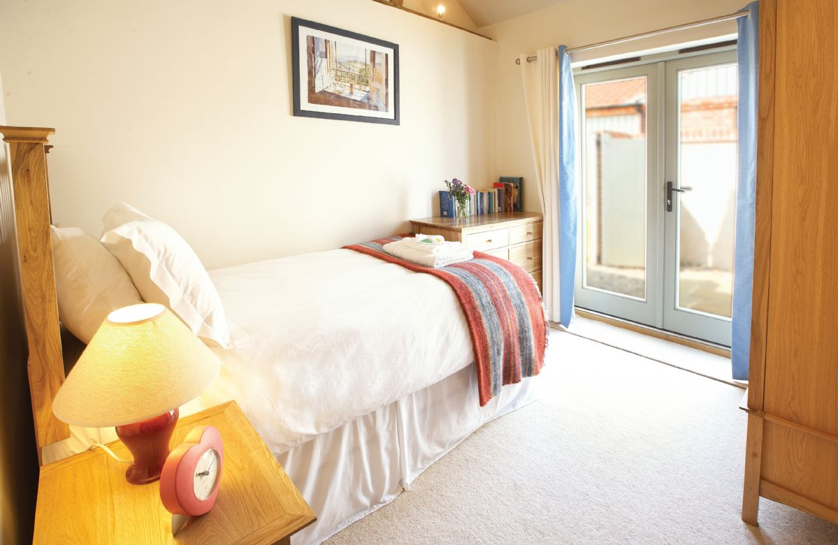 Ground floor: Single bedroom with 3ft bed