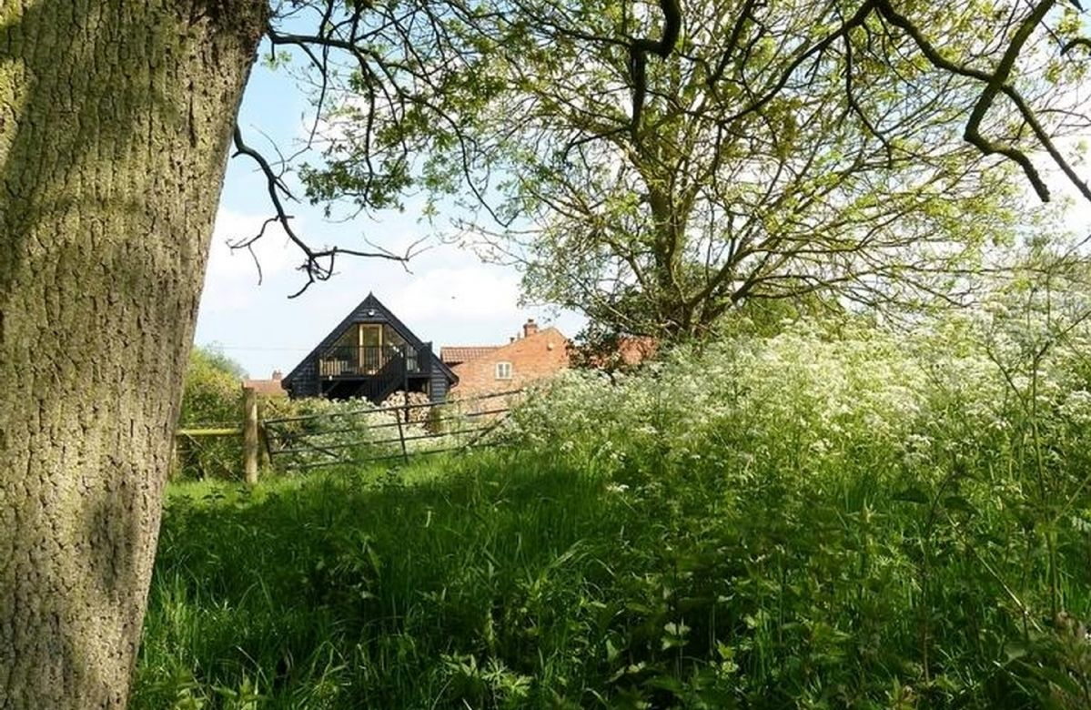 The Loft is situated on the Weavers Way footpath and is an ideal location for simply relaxing, walking, cycling and exploring the North Norfolk countryside and coast