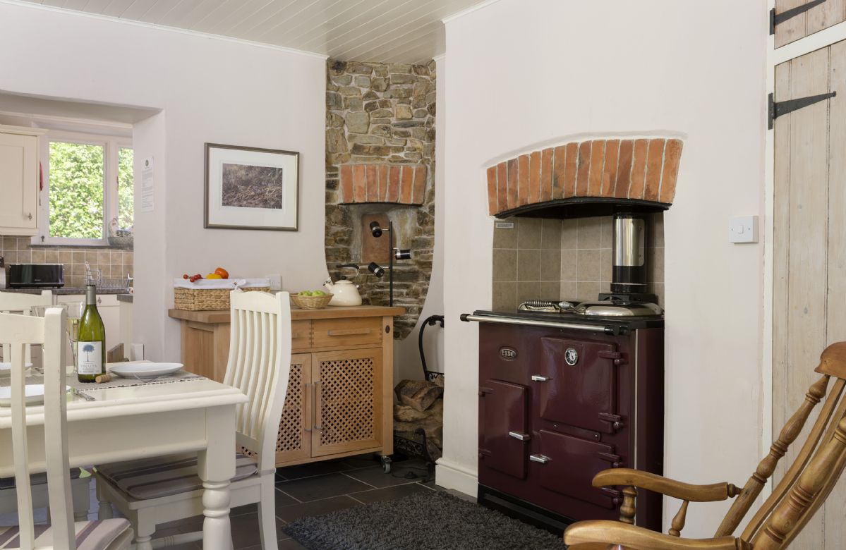 Ground Floor: Open plan dining room with ESSE traditional cast iron style stove with modern controls