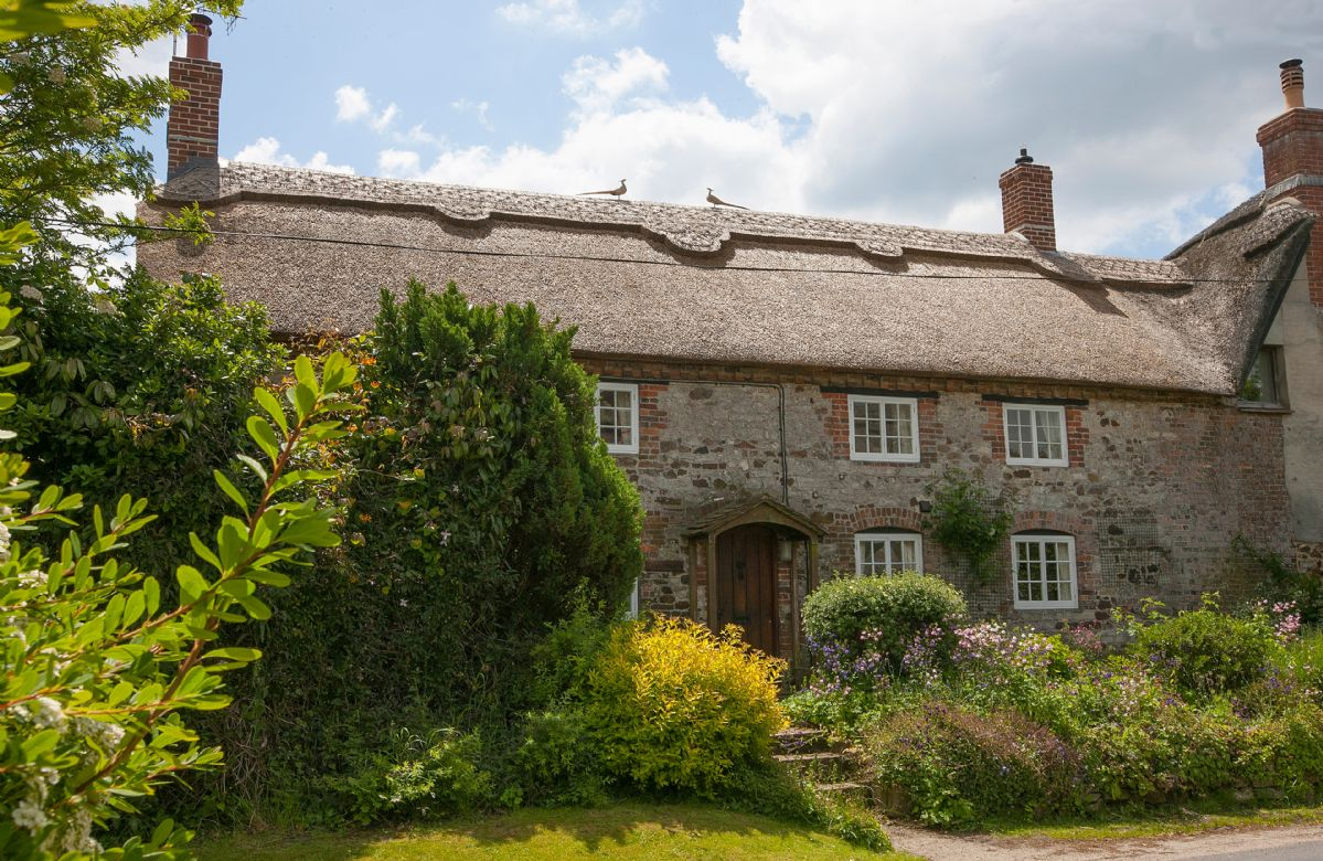 Odd Nod is a picturesque thatched cottage in a beautiful and peaceful location