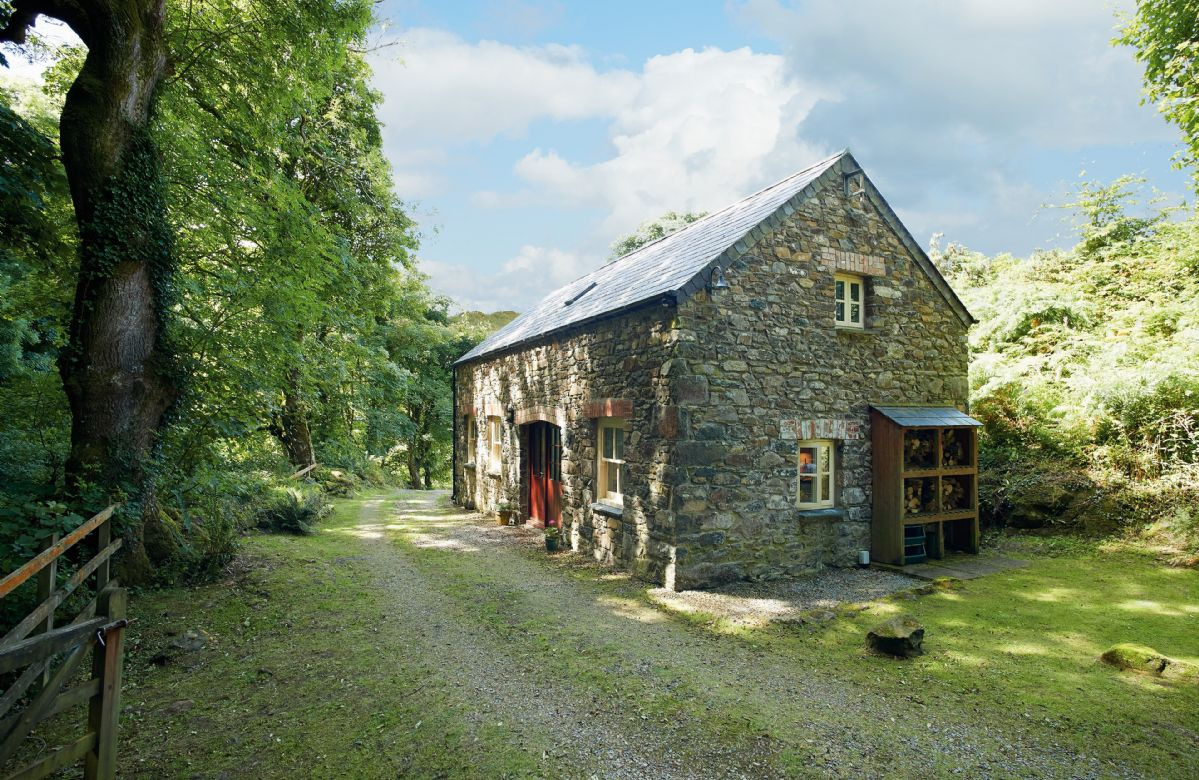 Holiday in Converted Barn at Dinas