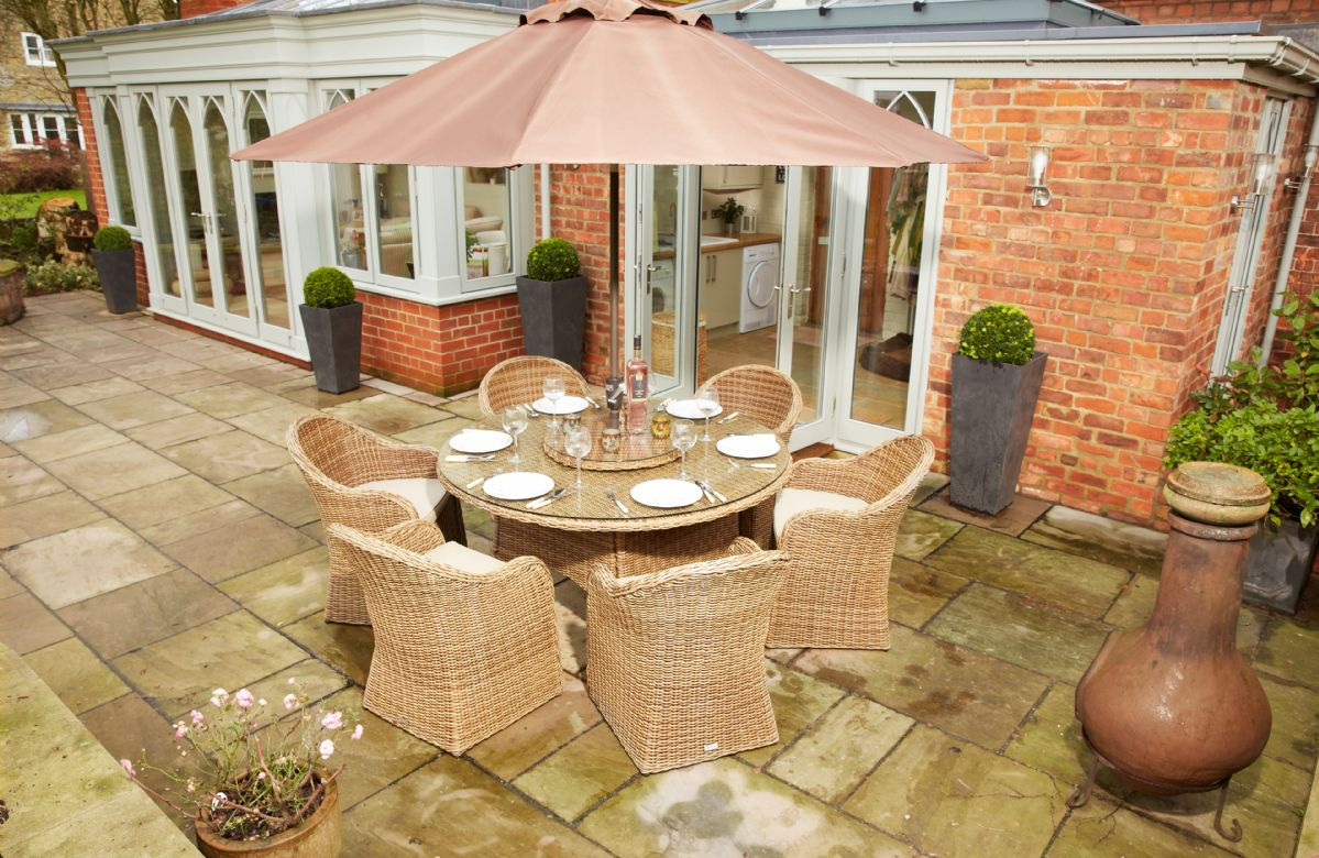 Patio with garden furniture (seats six)