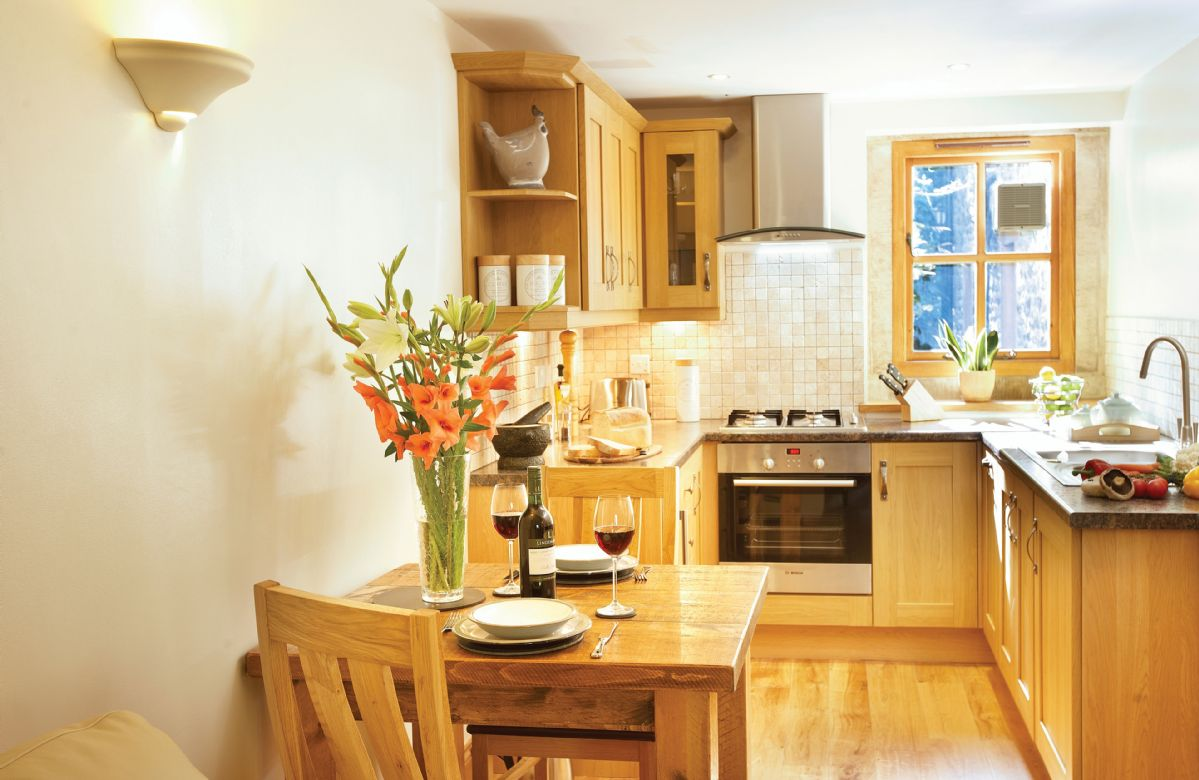Ground floor: Kitchen with dining area
