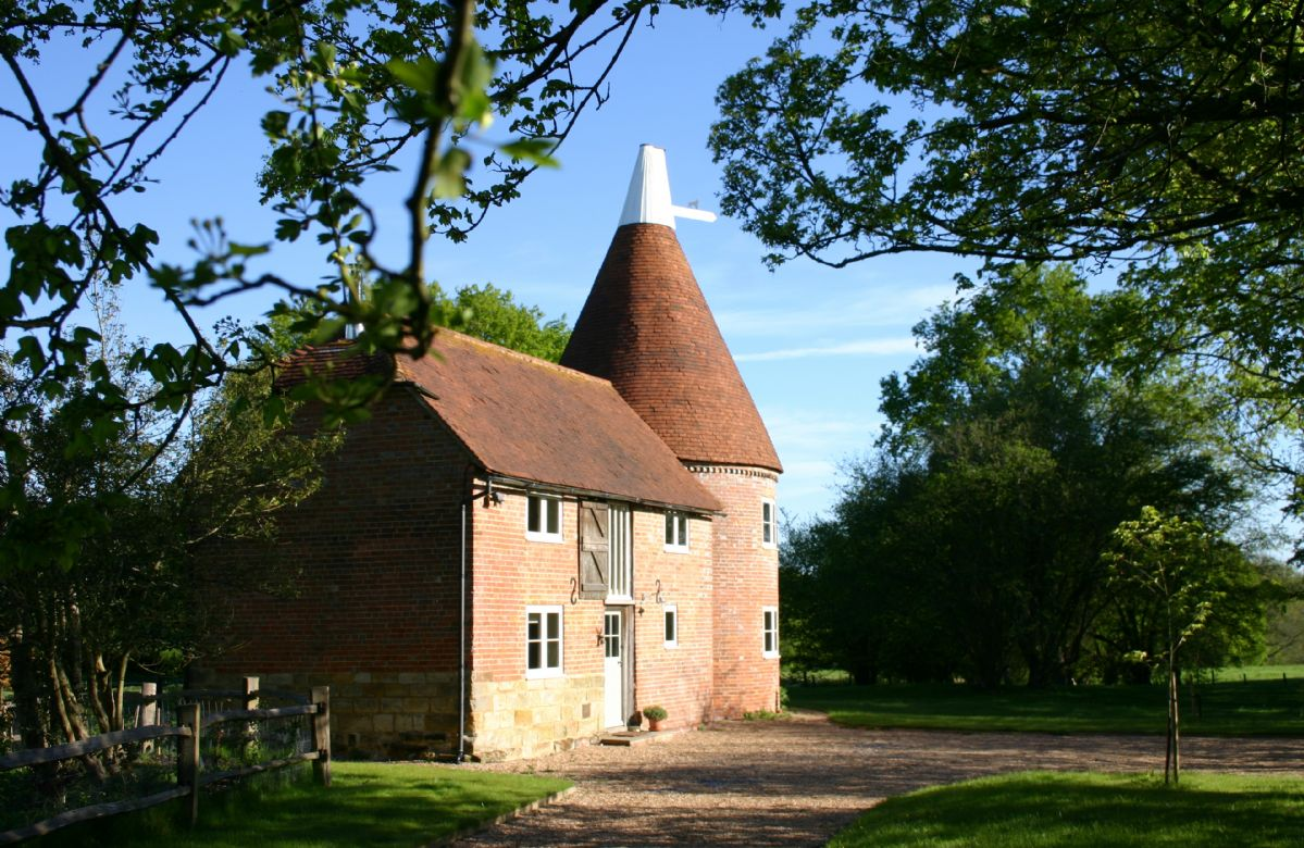 Bakers Farm Oast, Sussex, England