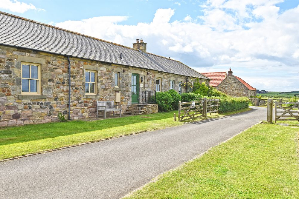 """A warm, well equipped cottage in a quiet location close to the beach. Excellent for a walking holiday."""""""