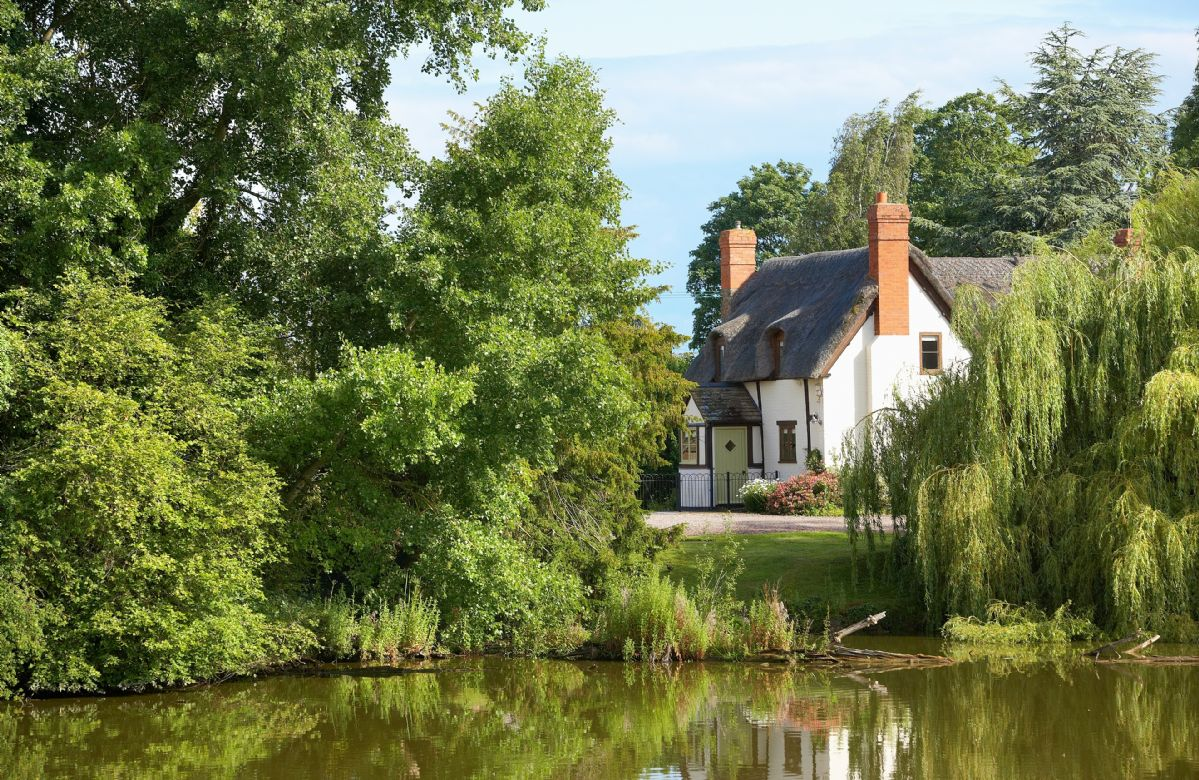 Located on the Westhide Estate, Pool Head Cottage provides a contemporary and cosy holiday get-a-away, in the beautiful county of Herefordshire