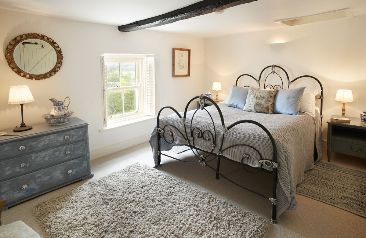 First floor: Croglin has a 5' kingsize bed