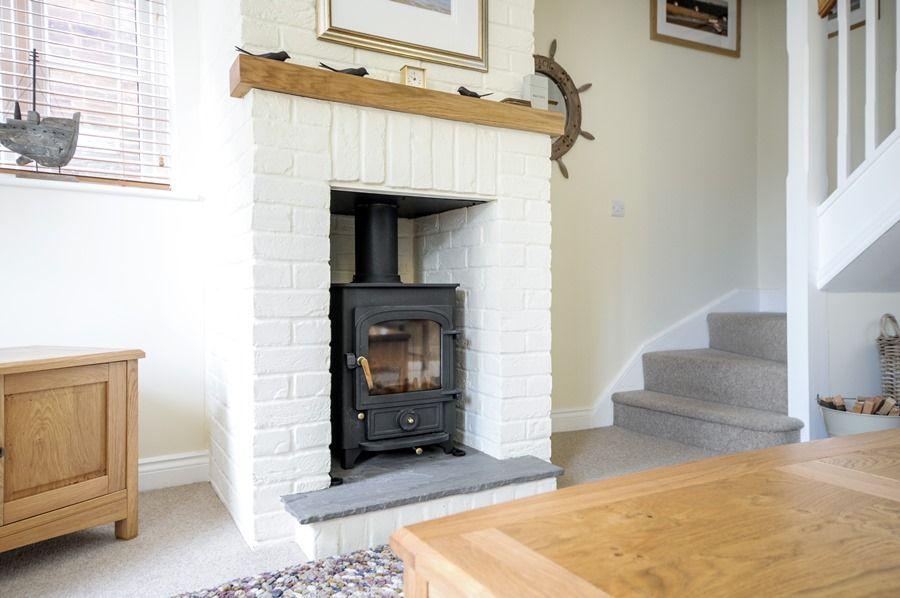 4 King William Cottages | Wood burner