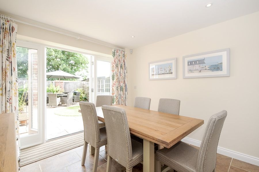 4 King William Cottages | Dining area