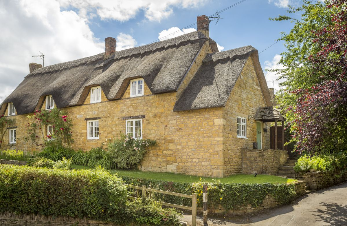 Harrowby End, a cosy Grade II listed, thatched cottage