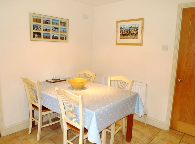 Pebble Cottage Station Road | Kitchen table