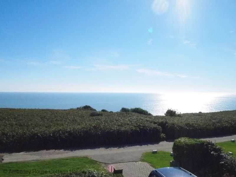 Large Image - Sea Glint - holiday let with sea view from the balcony