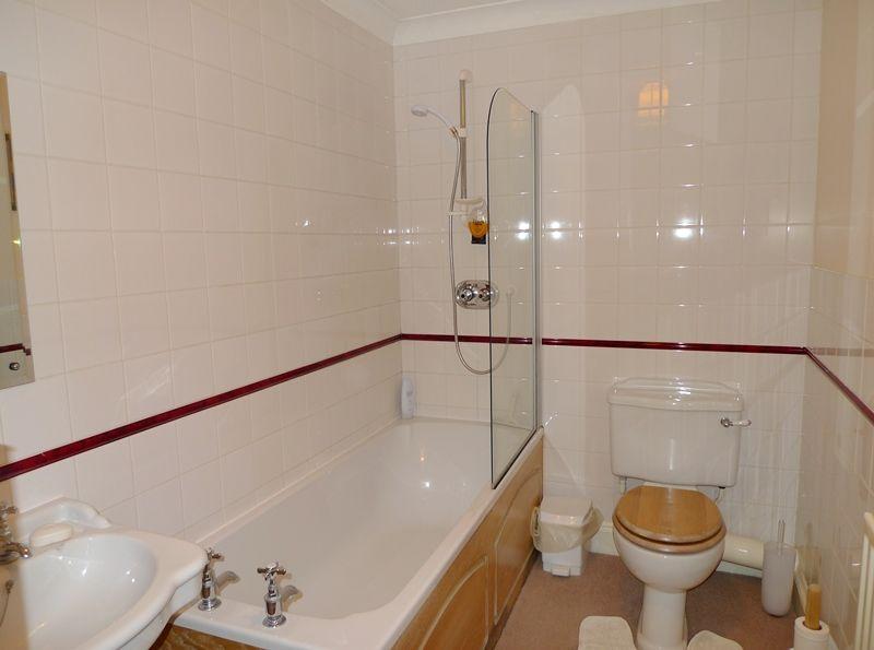 9 The Granary   Bathroom