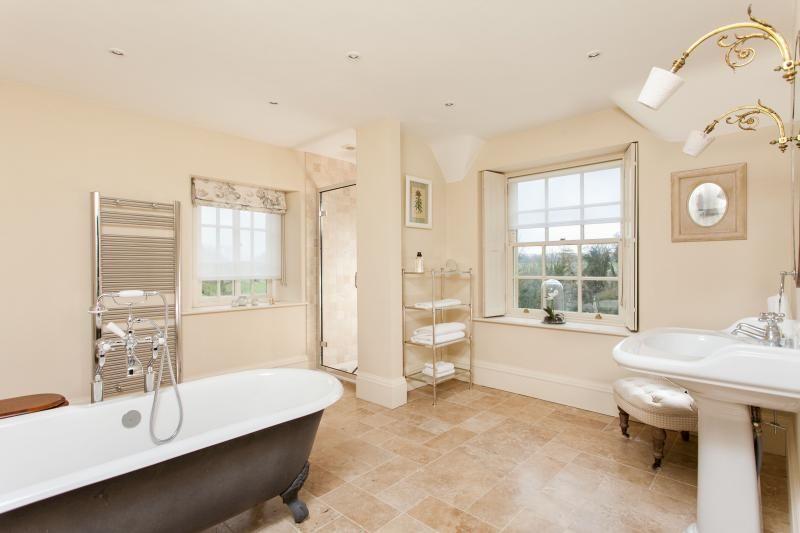 Suburbs Mama Nursery In Master Bedroom: Week Farm Manor Holiday Accommodation In Bath