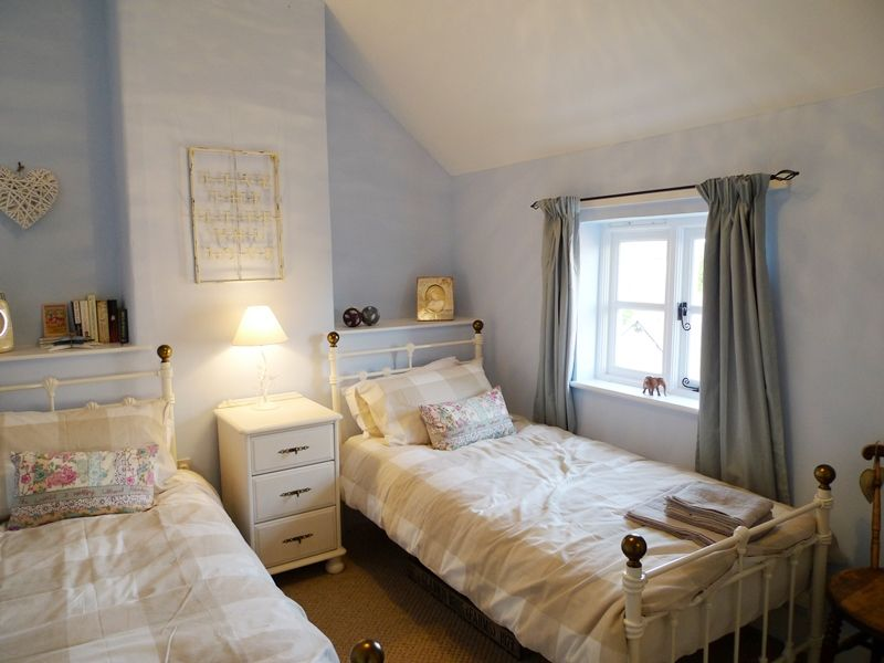 Pinkleton | Bedroom 2
