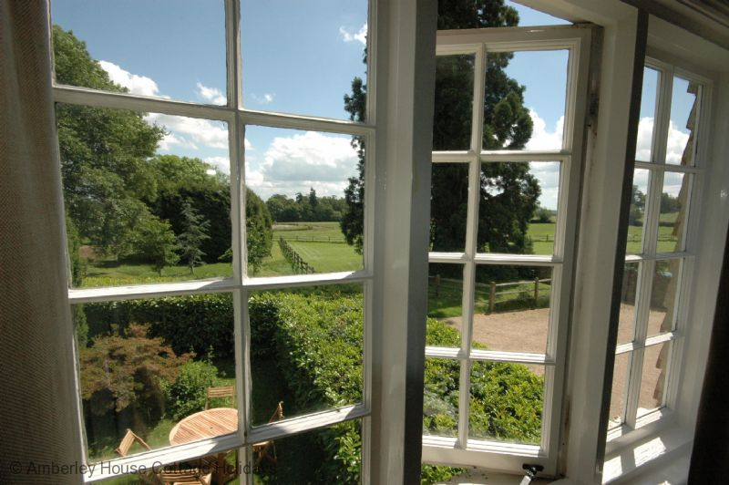Large Image - Looking over the garden from upstairs