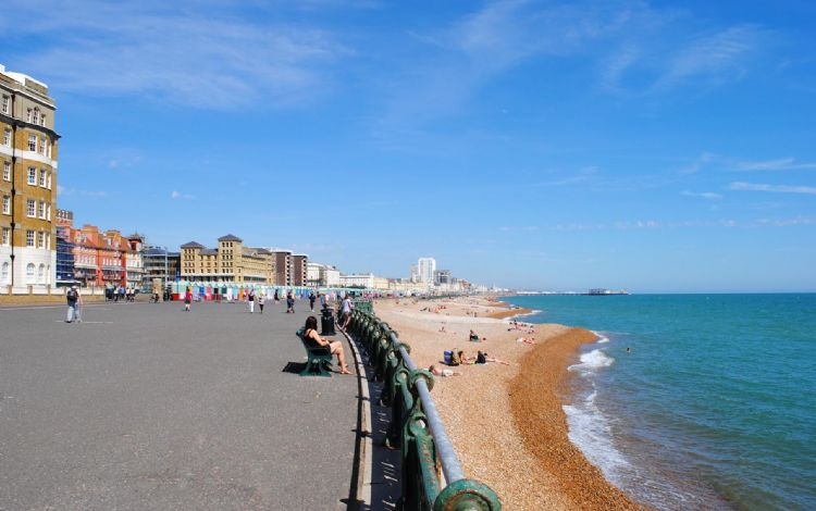 Stonesthrow Hove Hove Sleeps 4 Self Catering Holiday Homes