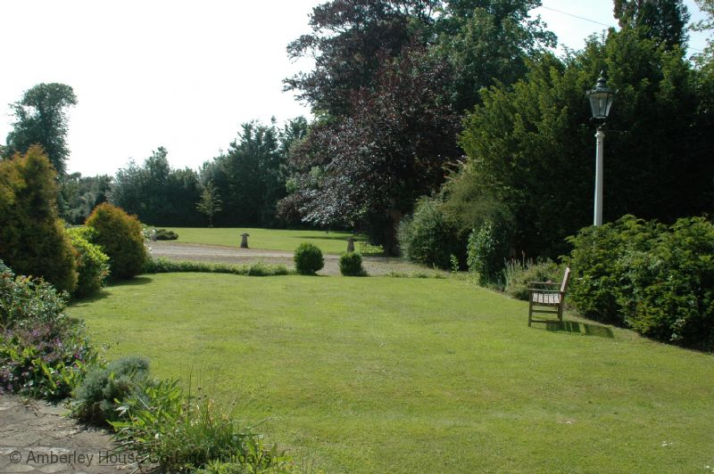 Large Image - The garden at the cottage