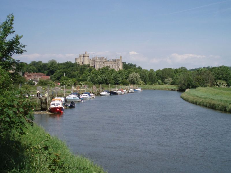 Large Image - Arundel Castle and the River Arun