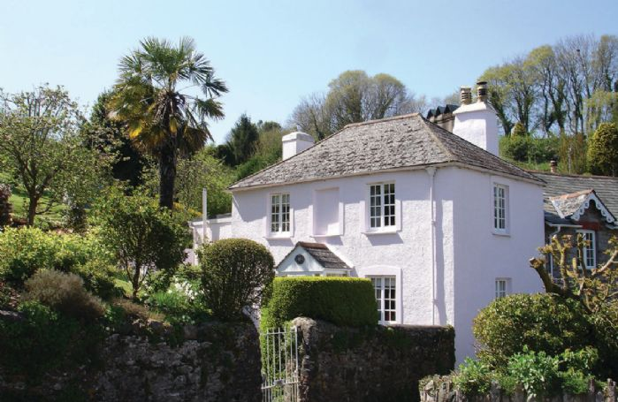 Thornwell Cottage is a cosy 200 year old detached Grade II listed property with flagstone floors
