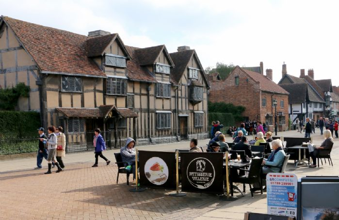 Stratford-upon-Avon with its links to William Shakespeare is 25 minutes from the property