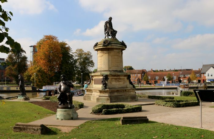 Stratford-upon-Avon with its links to William Shakespeare is 30 minutes from the property