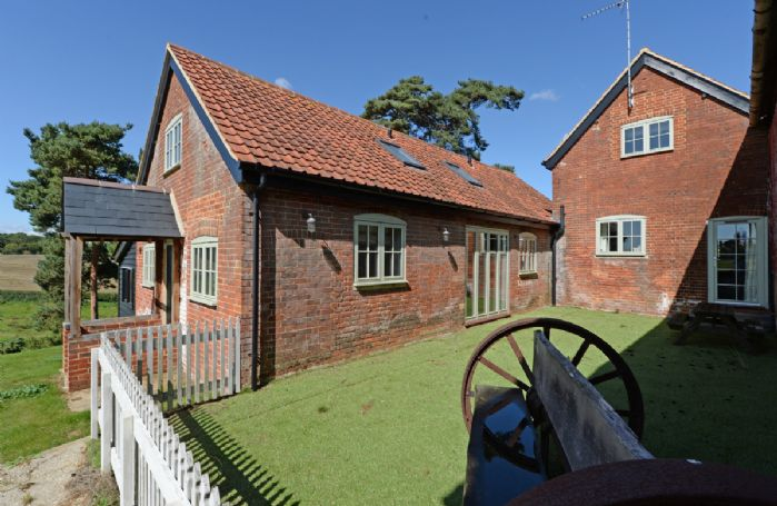 Lodge Farm is near the charming village of Freston, located on the Shotley Peninsular