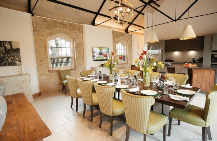 Exeter Wing: Open plan dining room. The dining table can be set to seat 20 guests upon request