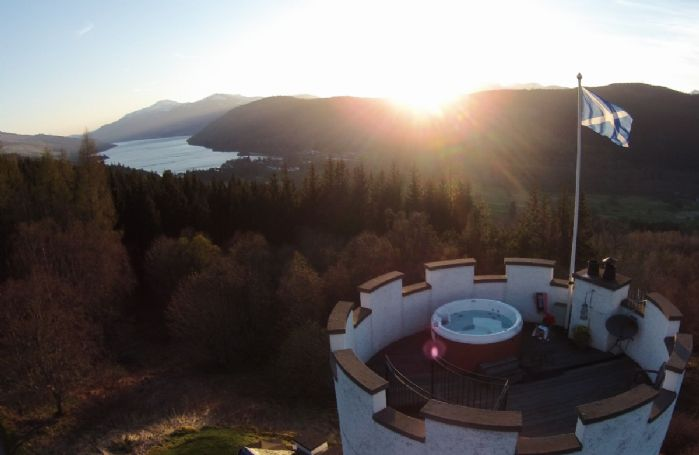 From the turreted roof of The White Tower, enjoy a glass of Champagne while relaxing in the open hot tub with starlit views of Loch Tay