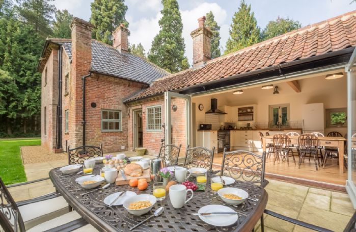 Bear's Cottage has a lovely south facing terrace with garden furniture seating eight