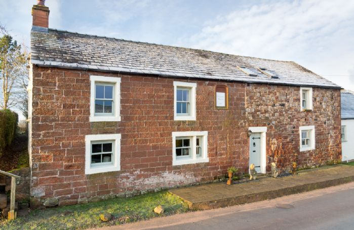 Glen Bank lies nestled in the charming village of Brampton near Appleby in the Eden Valley just 15 minutes from Penrith and 25 minutes from Ullswater