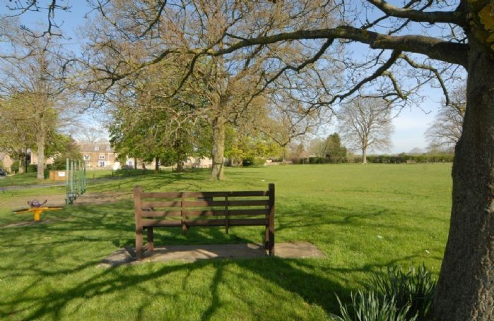 Kingham village green
