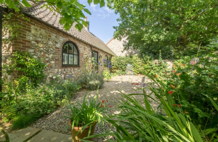 Luxury holiday cottages homes in britain rural retreats for Premium holiday cottages