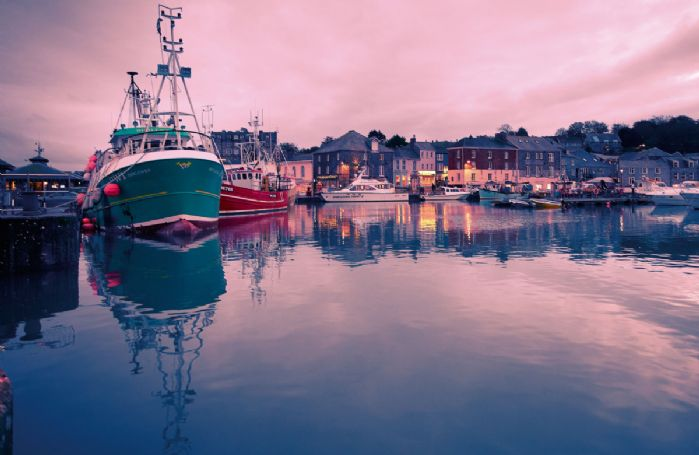 Padstow with its harbour can be reached in just under 25 minutes