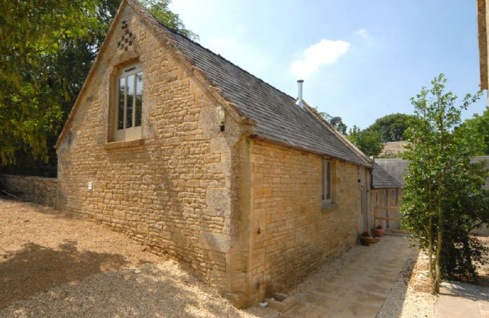 Nellies Barn nestled in the Windrush Valley near Bourton-on-the-Water