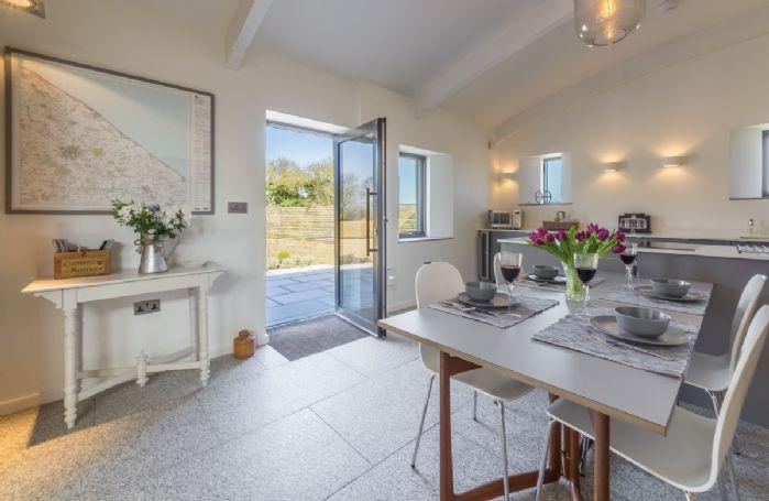 Ground floor: Kitchen/dining area