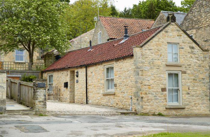 Mason's Cottage is a former stonemason's workshop that has been beautifully renovated