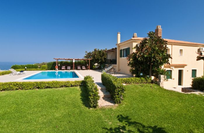 Set just above the rugged shoreline near the quiet resort of Minia on Cephalonia, Villa Alba boasts uninterrupted sea views