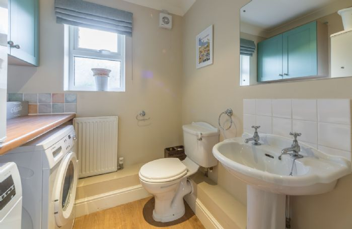 Ground floor: Cloakroom/utility room