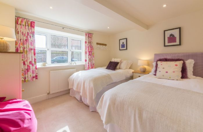 Ground floor: Bedroom 3 with twin beds