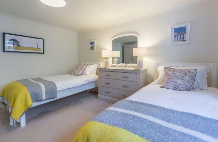 Ground floor: Bedroom 4 with twin beds