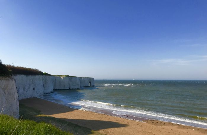 Chalk cliffs and sandy beaches are just minutes away from Lauriston
