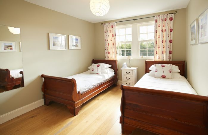 Ground floor: Twin bedroom with 3' beds