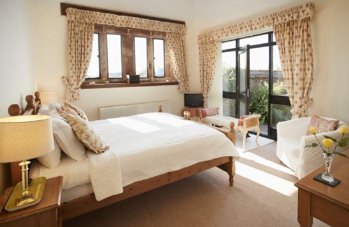 Ground floor:  Bedroom with ensuite