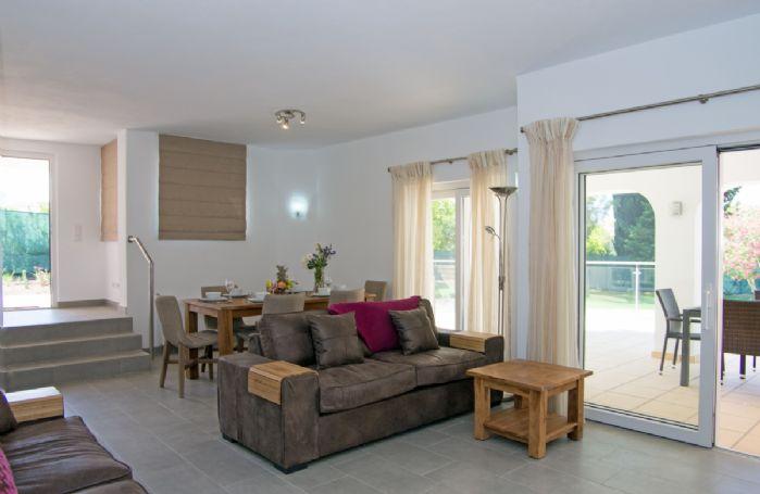 Ground floor: Open plan living/dining area