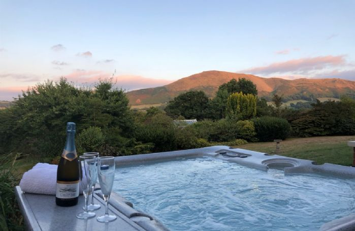Hire a hot tub for your stay at the The Oaks (see Notes on how to arrange hire)