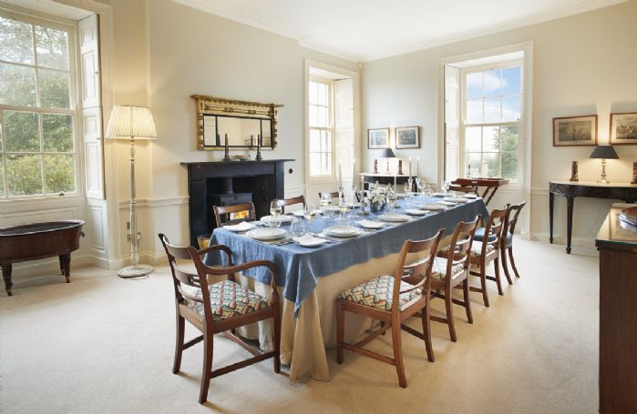 Ground floor: Dining room with seating for 10 guests